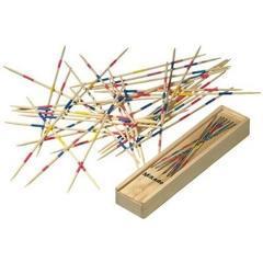 Joc Mikado FOCUS cu 41 de beţişoare ambalat în cutie din lemn cu capac.